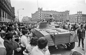 800px-Exèrcit_al_Zócalo-28_d'agost