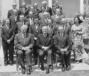 Kirk's cabinet and the governor-general (sitting next to Kirk at the front)