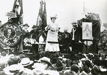 Rosa Luxemburg (1871-1919) Polish-born German revolutionary and political agitator, addressing a meeting after the Second International Social Democrativ Congress, Stuttgart, 1907. Founder member with Karl Liebknecht of the KPD, the German Communist Part