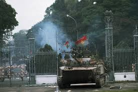 Revolutionary forces enter grounds of Saigon puppet dictator's palace, April 30, 1975