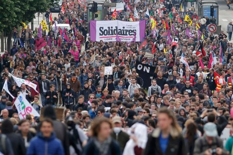 Workers march in Nantes, May 17, 2016. Photo: REUTERS/Stephane Mahe